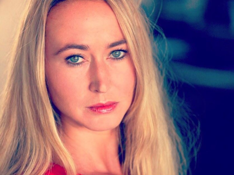 Iris SARG - Book Actrice / Photographe : Béatrice Cruveiller