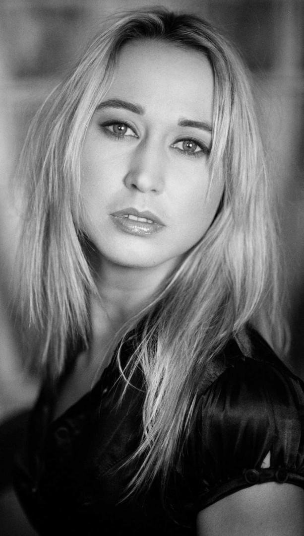 Iris SARG - Book Actrice / Photographe : Laurence Jarrousse